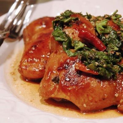 Chili-Basilikum-Sesam-Huhn