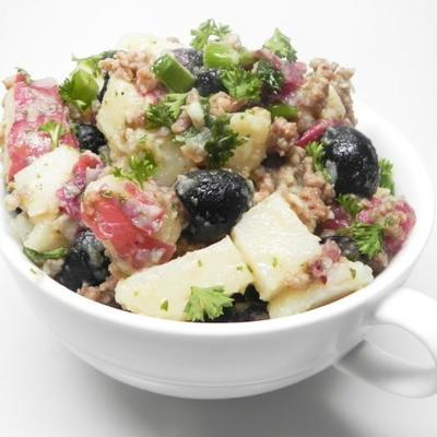 marinierter Kartoffelsalat mit Sardellenvinaigrette