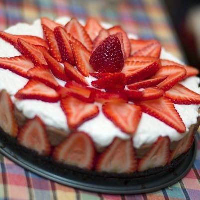 Erdbeer-Schokoladen-Mousse-Kuchen