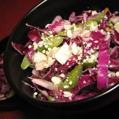 Rotkohl-Spargel-Salat mit Tahini-Dressing