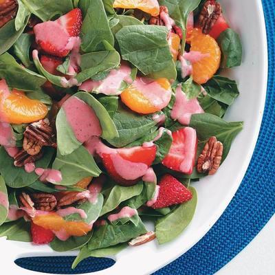 Spinatsalat mit Erdbeer-Vinaigrette