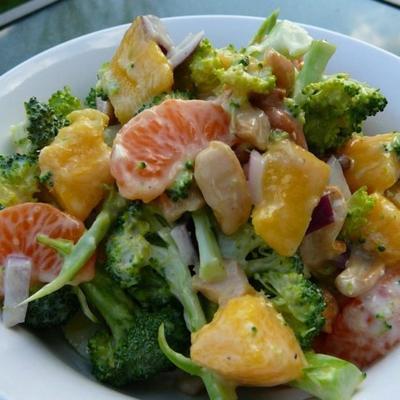 Brokkoli-Mango-Salat