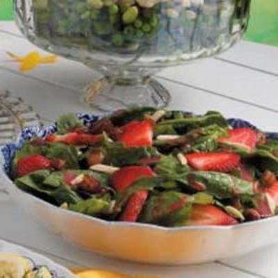 Spinat-Dattelsalat