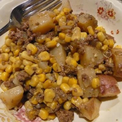 Eintopf mit Rindfleisch und Kartoffeln