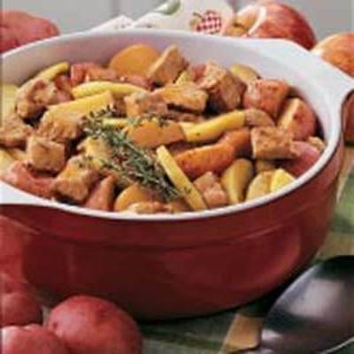 Schweinefleisch und Apfel zum Abendessen
