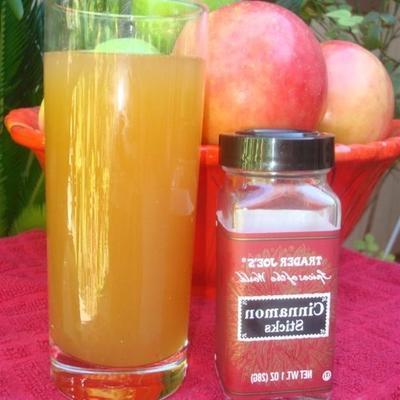 Apfelkuchen-Mischgetränke
