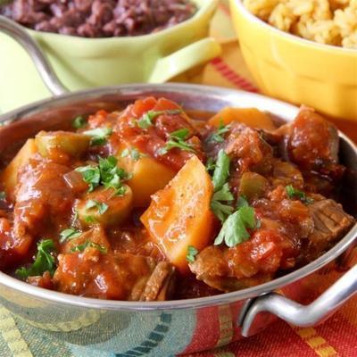 Spanischer Rindereintopf des langsamen Kochers