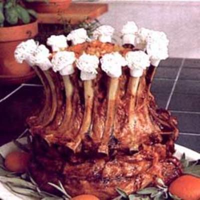 Schweinekronenbraten mit Aprikosenapfelfüllung