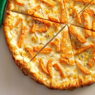 Fontina und Süßkartoffelpizza