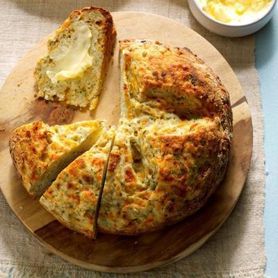 Knoblauch-Dill-Soda-Brot