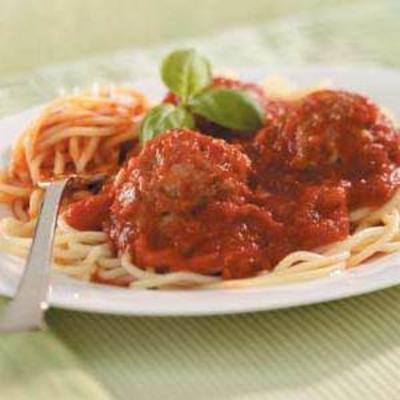 Spaghetti-Sauce mit italienischen Fleischbällchen