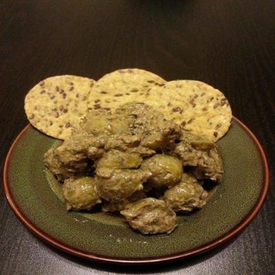 Zeytoon Parvardeh (persischer Oliven-Granatapfel-Dip)