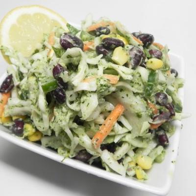 Vegetarischer Taco-Krautsalat mit cremigem Koriander-Limetten-Dressing