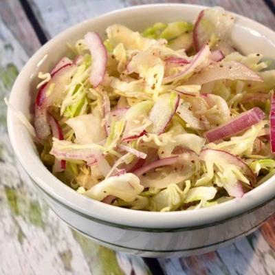 würziger Krautsalat für gezogenes Schweinefleisch