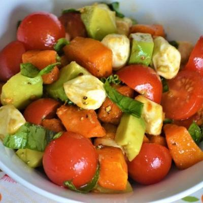Butternusskürbis Caprese Salat