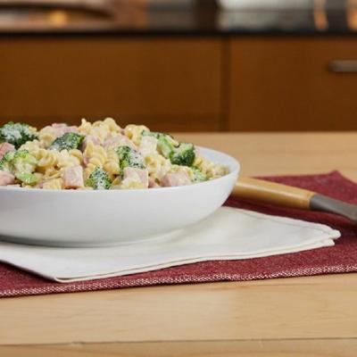 cremiger Schinken und Broccoli Rotini