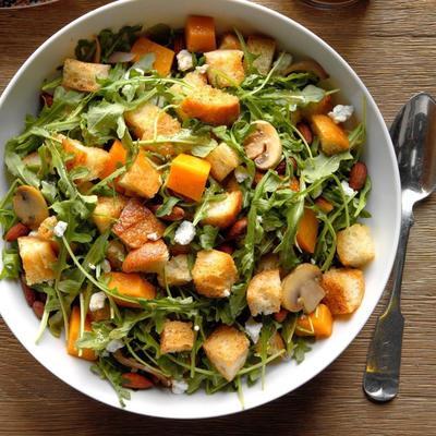 Butternusskürbis-Panzanella-Salat