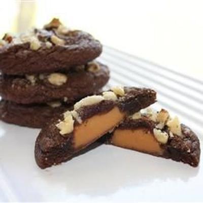 mit Karamell gefüllte Schokoladenkekse