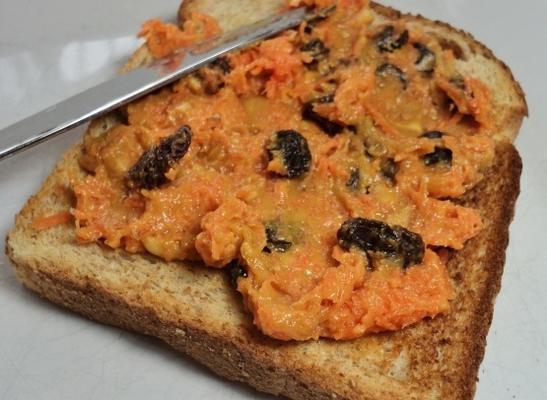 Erdnuss-Karotten-Sandwich-Aufstrich