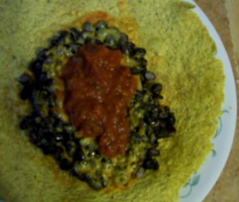 schwarze Bohnen und käsiger Burrito - ww