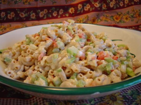 frischer und geschmackvoller Makkaroni-Salat
