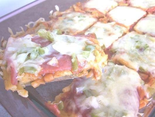 Pizza mit Makkaroni-Kruste