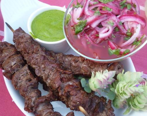 Rindfleischspieße mit Koriander Chimichurri