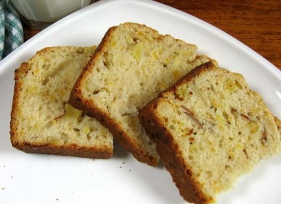 Cheddar-Apfel-Nuss-Brot