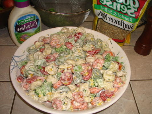 Brokkoli, Tortellini und Specksalat