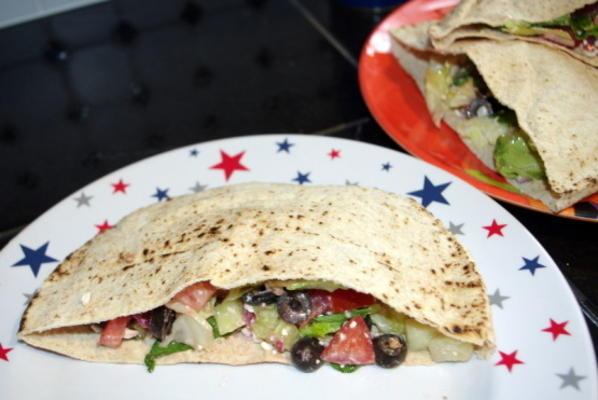 Griechischer Salat Pita Taschen für zwei