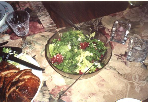 Brunnenkresse, Radicchio und Bohnensalat mit Ziegenkäse für 2