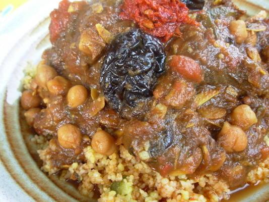 l'ham lahlou - algerisches / nordafrikanisches süßes Lammgericht.