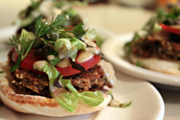 nommy falafel burger