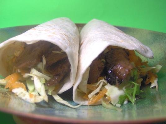 fettarme Teriyaki-Wraps mit vegetarischem Rindfleisch