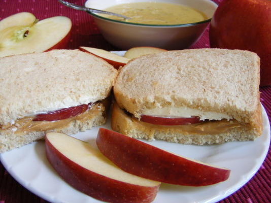 pb und Apfelsandwich