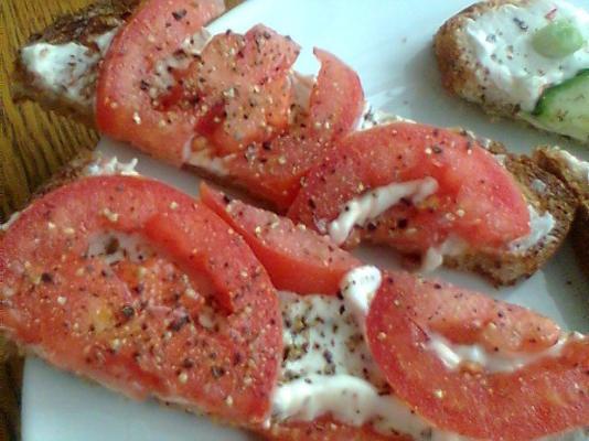Mein Lieblings-Tomatensandwich mit offenem Gesicht