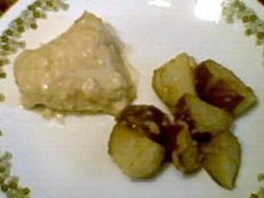 pikant gebratenes Huhn und Kartoffeln
