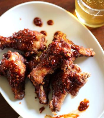koreanische gebratene Hühnerflügel