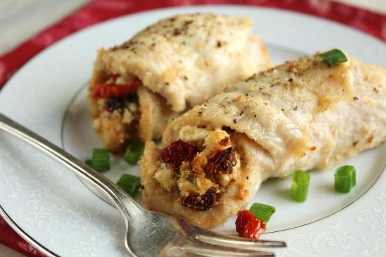 Hühnerbrust gefüllt mit Schafskäse, sonnengetrockneten Tomaten